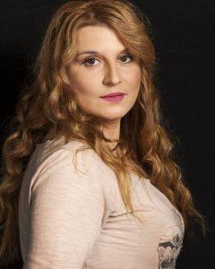 Elena-Atanasova_3079-700x1060
